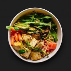 Вегетаріанський поке боул з тофу