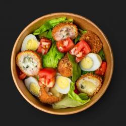 Салат с куриными крокетами